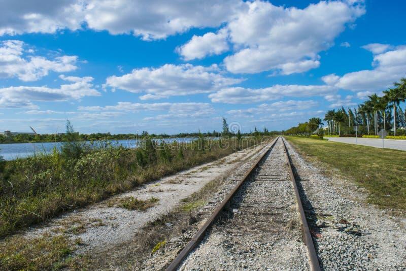 Vieille ligne ferroviaire images libres de droits