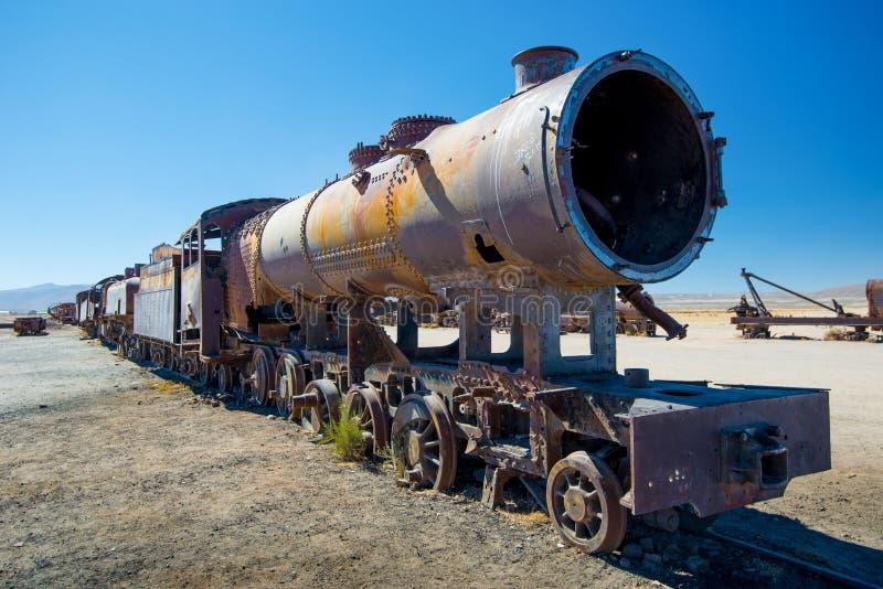 Vieille locomotive à vapeur dans le cimetière de train, Uyuni - Bolivie photographie stock