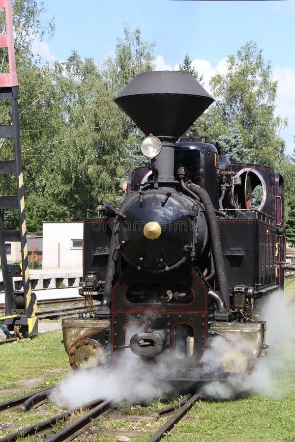 Vieille locomotive à vapeur pendant le tour photos libres de droits