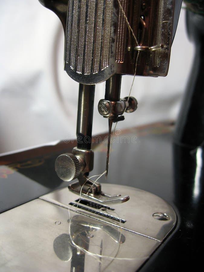 Vieille machine à coudre photo libre de droits