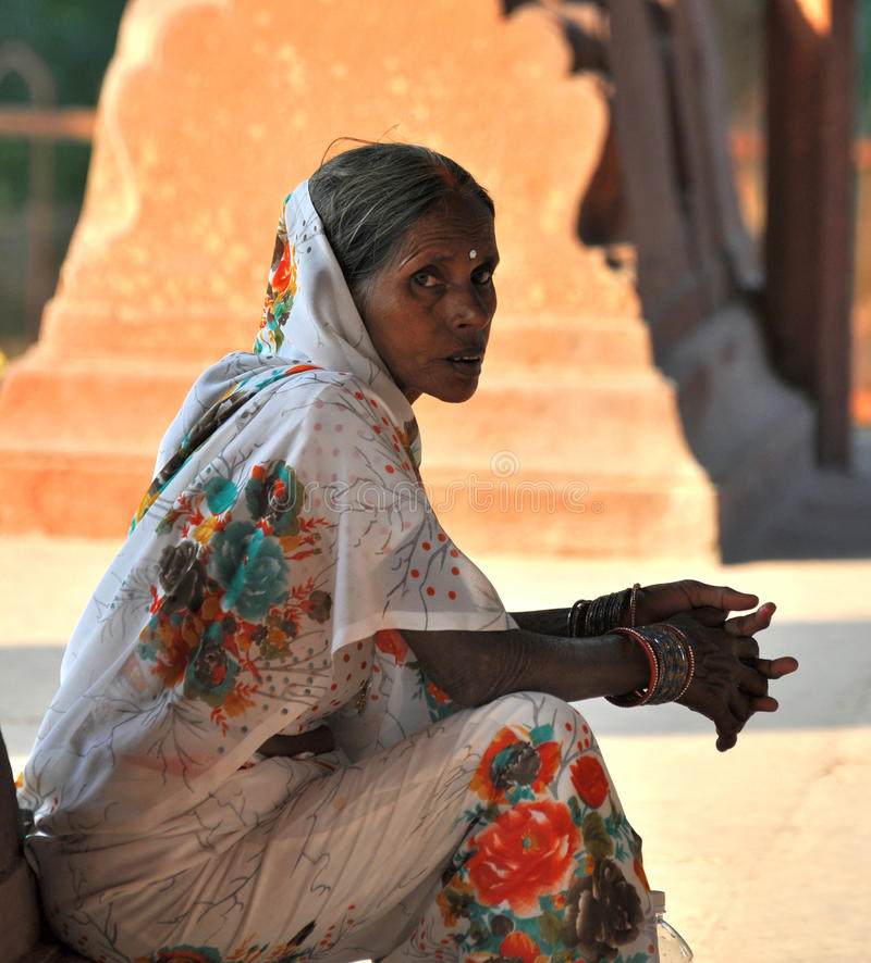 Vieille Madame indienne photo libre de droits