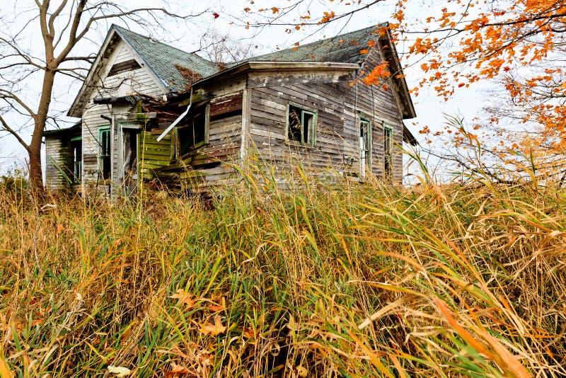 Vieille maison abandonnée images libres de droits