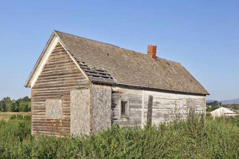 Vieille maison abandonnée de ferme photos stock