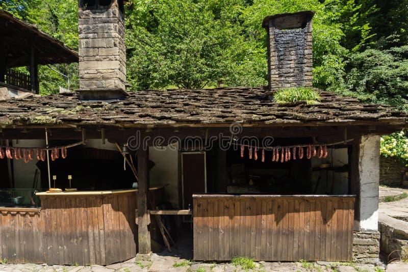 Vieille maison dans le village d'Ethno Etar Etara pr?s de ville de Gabrovo, Bulgarie photo libre de droits