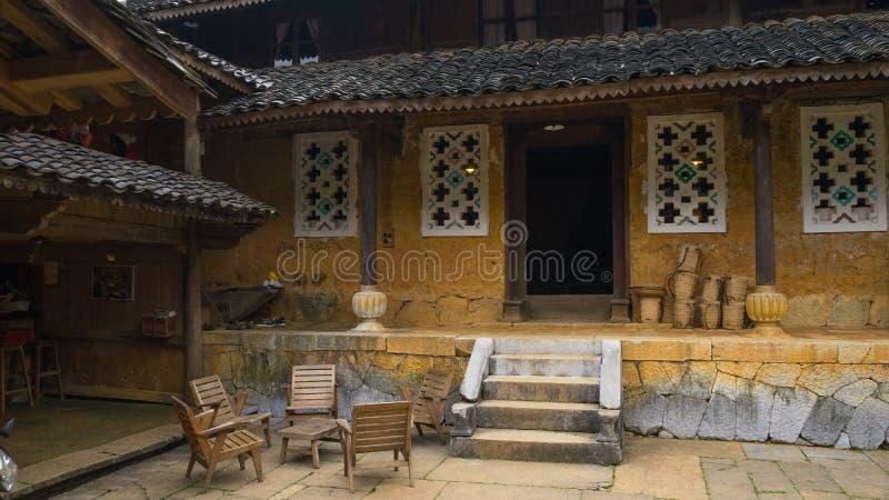 Vieille maison de l'ethnique dans Ha Giang, Vietnam photographie stock libre de droits