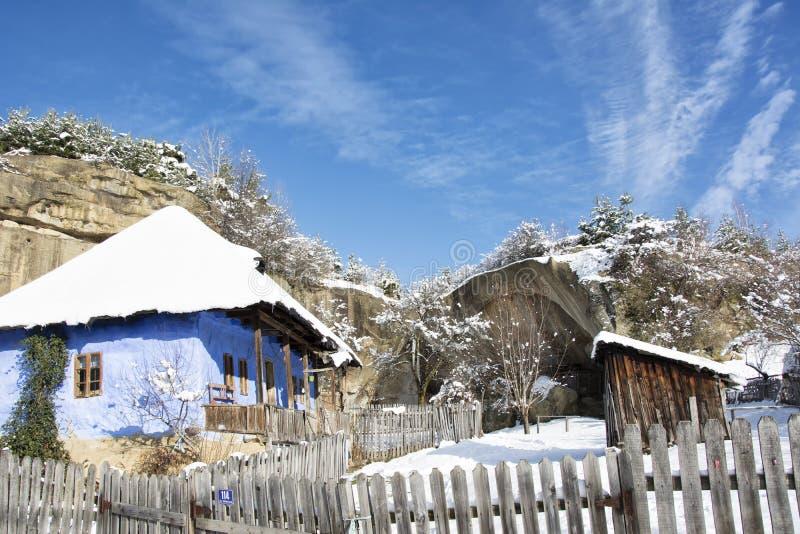 Vieille maison en hiver image libre de droits
