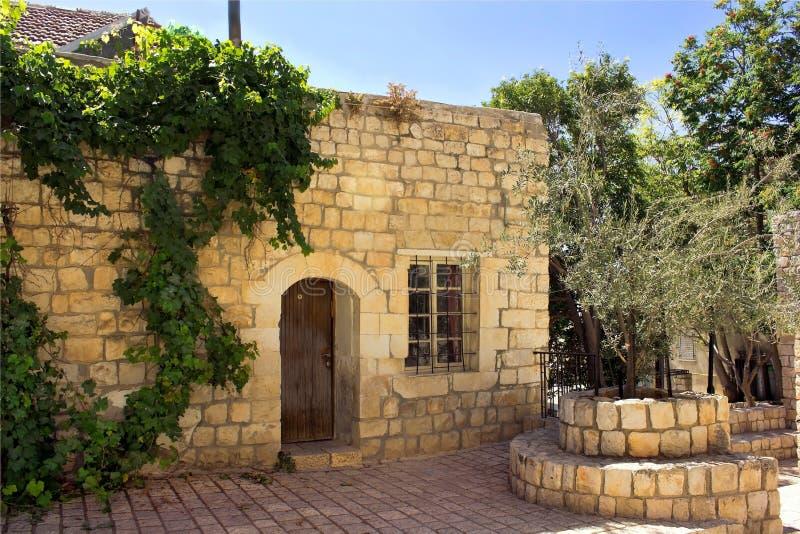 Vieille maison en pierre images libres de droits