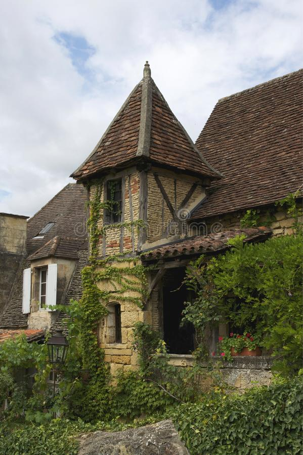 Vieille maison Sarlat stock images