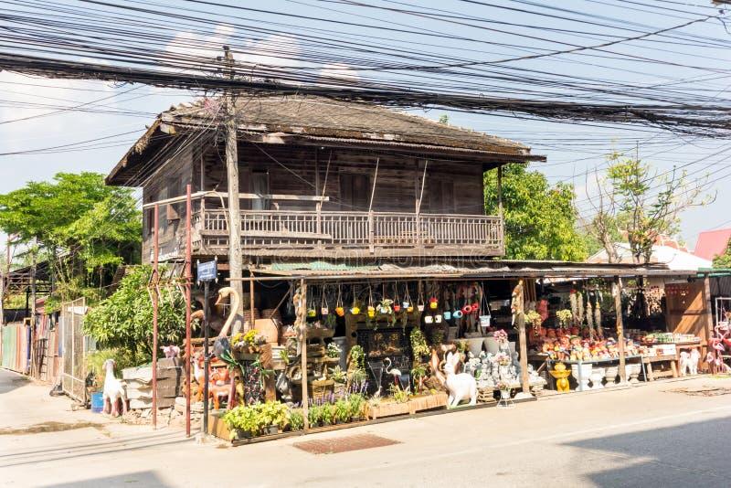 Vieille maison thaïlandaise de magasin de teck image libre de droits