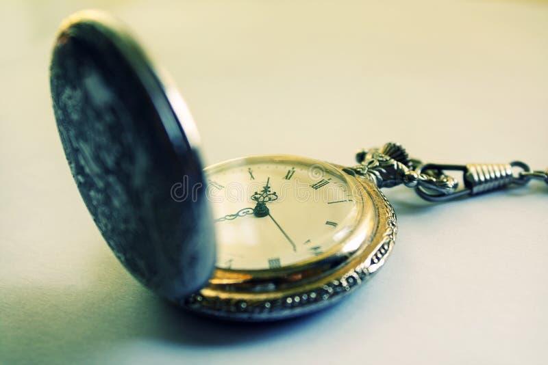 Download Vieille montre de poche photo stock. Image du toujours - 8661784