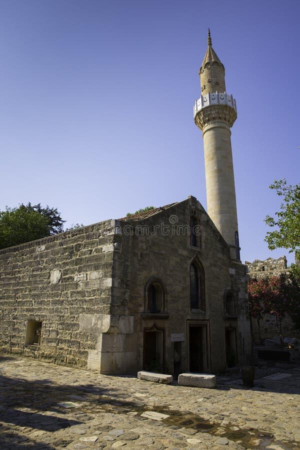 Vieille mosquée historique de Suleymaniye dans le château de Bodrum en Turquie image libre de droits