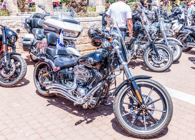 Vieille moto Harley Davidson à une exposition de vieilles voitures dans la moto dite Harley Davidson à une exposition de vieilles photos stock