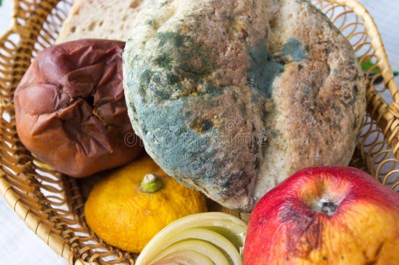 Vieille nourriture non comestible photographie stock