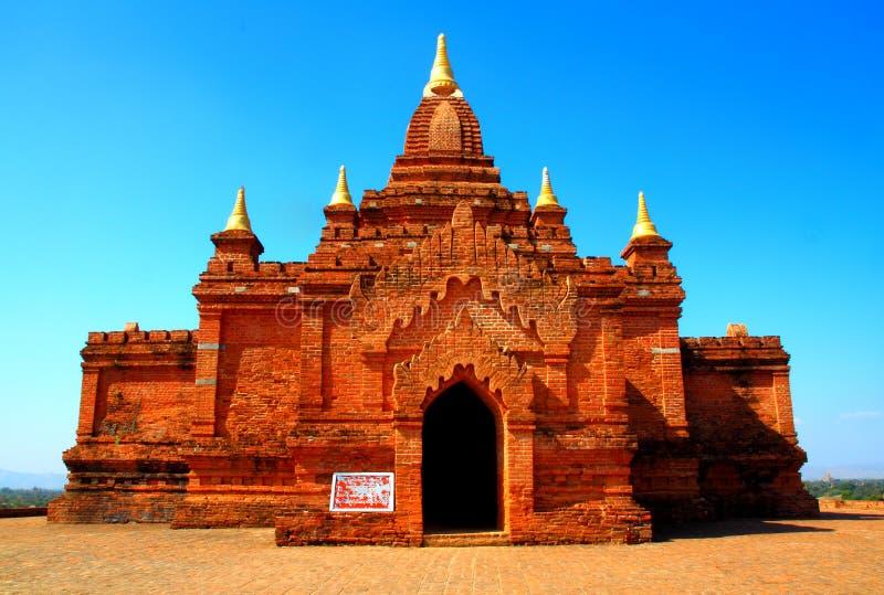 Vieille pagoda et ciel bleu photographie stock libre de droits
