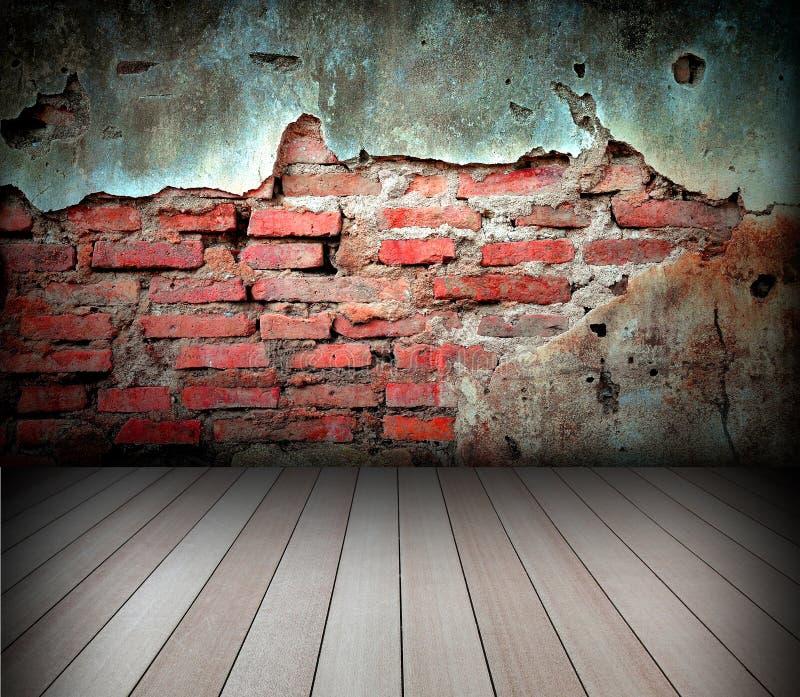 Vieille pièce avec le mur de briques photo libre de droits
