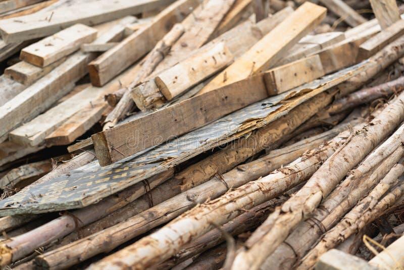 Vieille pile en bois utilisée photos libres de droits