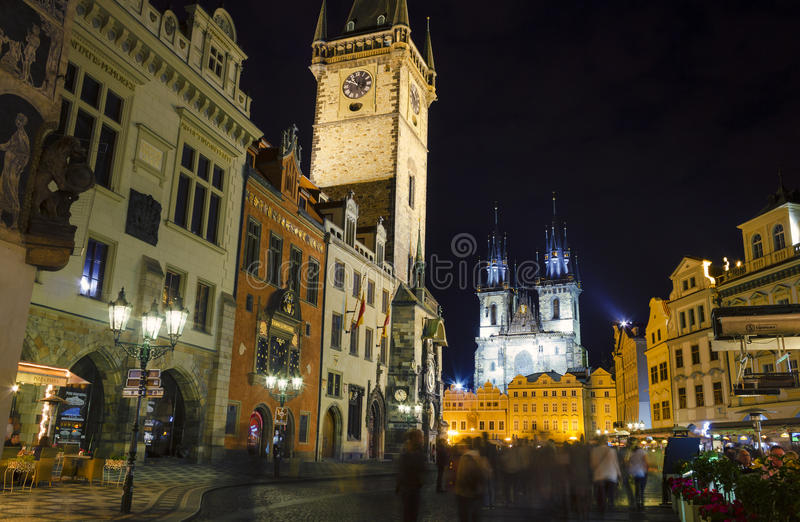 Vieille place la nuit, Prague photographie stock