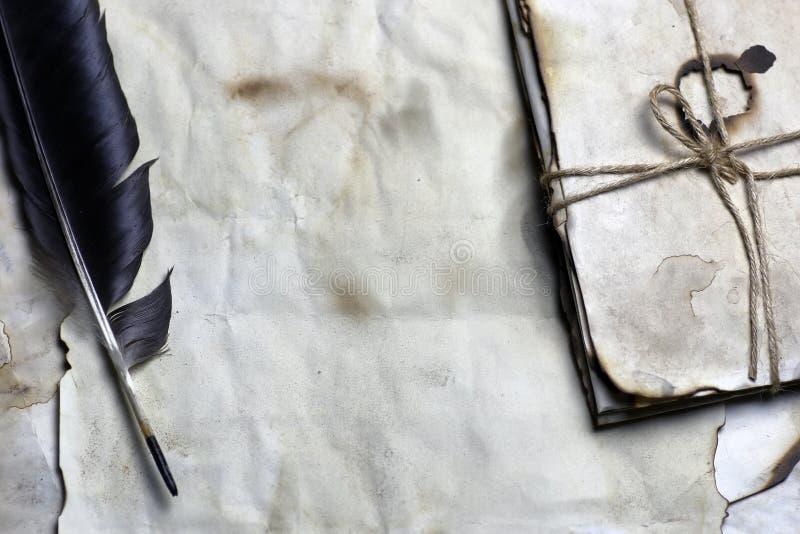 Vieille plume de papier de lettre photo libre de droits