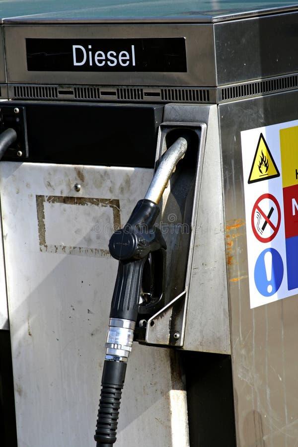 Vieille pompe à essence diesel images stock