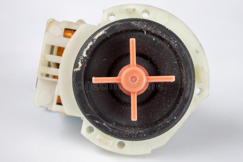 Vieille pompe de machine à laver Pièces de rechange pour des appareils électroménagers images stock