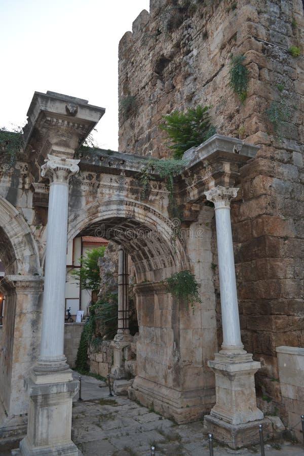 Vieille porte d'Antalia de ville image stock