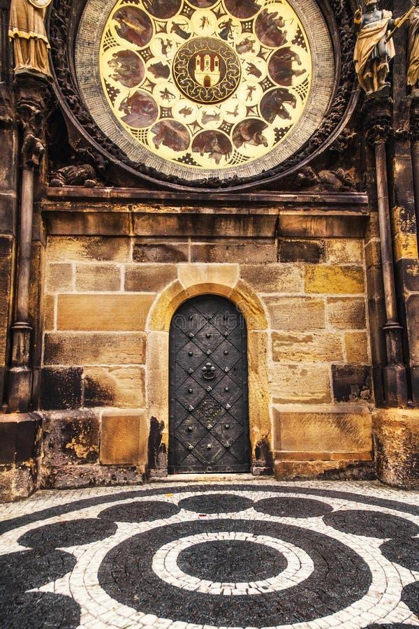 Vieille porte d'hôtel de ville à Prague photographie stock libre de droits