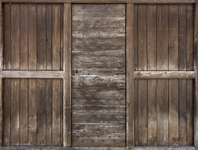 Vieille porte en bois. photo stock