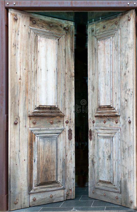 Vieille porte en bois photo stock