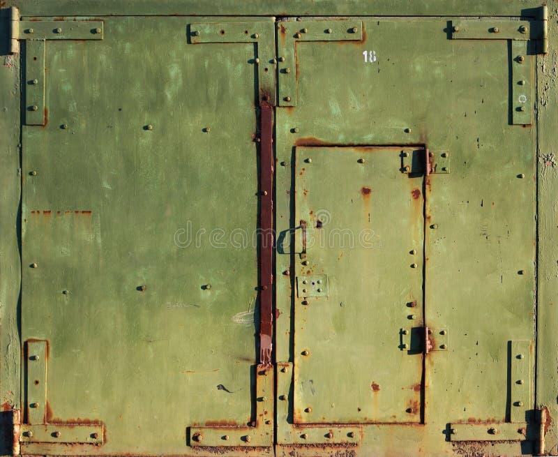 Download Vieille porte fermée image stock. Image du trappe, fermé - 8659043