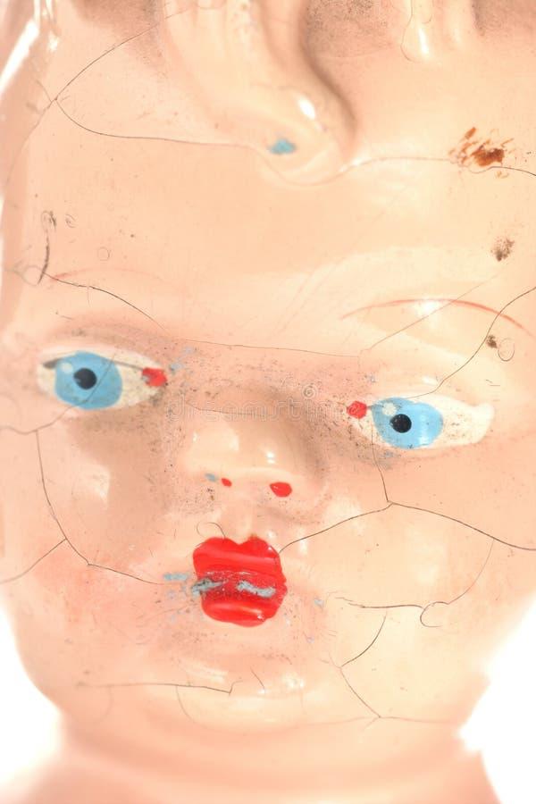 Download Vieille Poupée : Visage Criqué Image stock - Image du fissure, jouet: 2138195