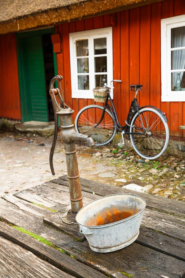 Vieille prise d'eau photos libres de droits