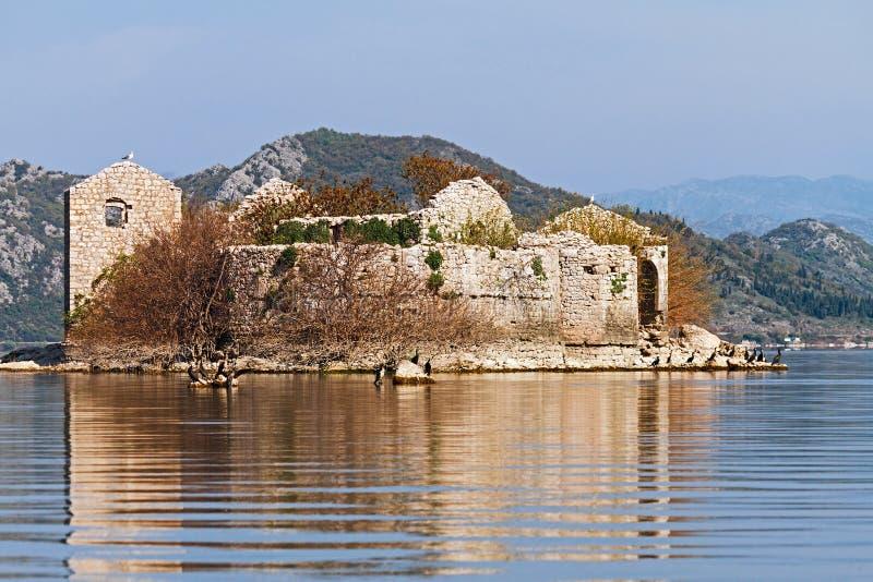 Vieille prison sur le lac Skadar photos libres de droits