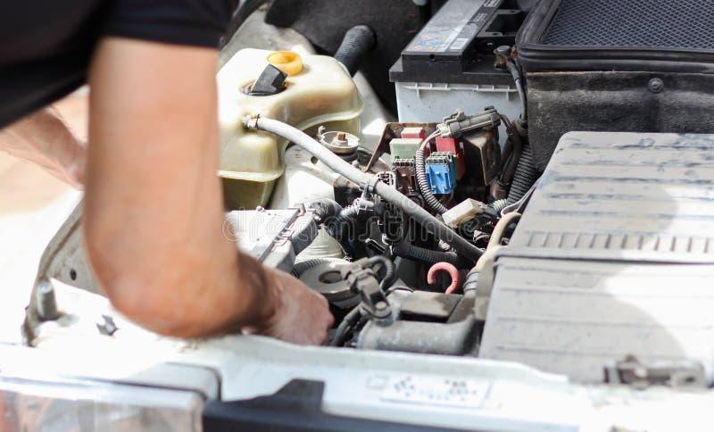 Vieille réparation de voiture photographie stock