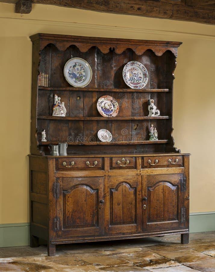 Vieille raboteuse antique anglaise de cuisine de chêne images stock