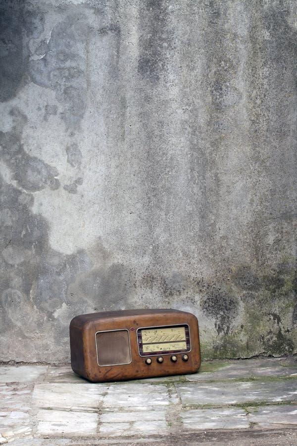 Vieille radio des années '50 images stock