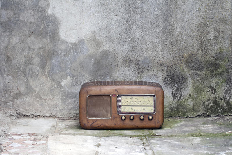 Vieille radio des années '50 image stock