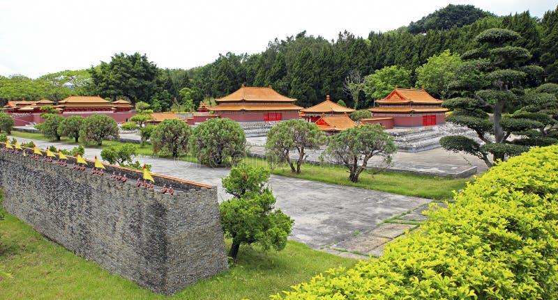 Vieille reproduction de palais d'été de Pékin au village splendide de gens de porcelaine photographie stock libre de droits