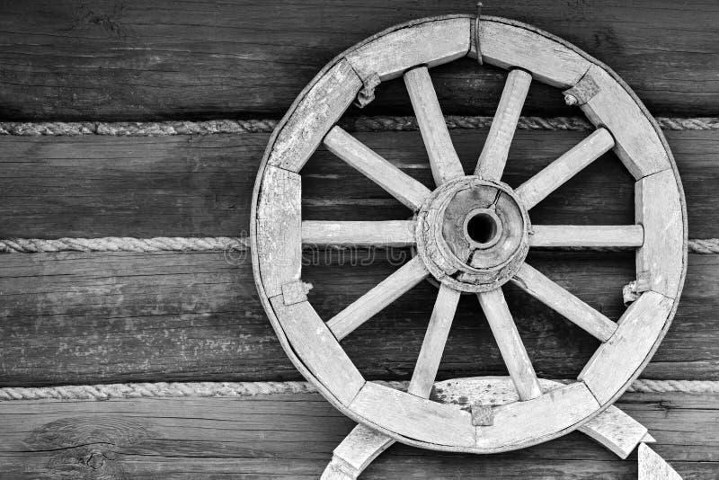 Vieille roue animal-dessinée de véhicule ou pour le chariot photographie stock libre de droits