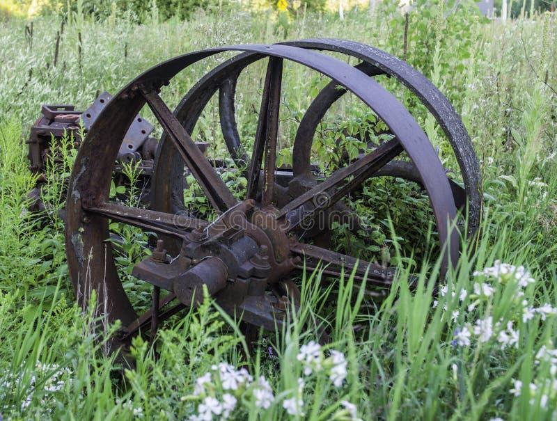 Vieille roue antique images stock