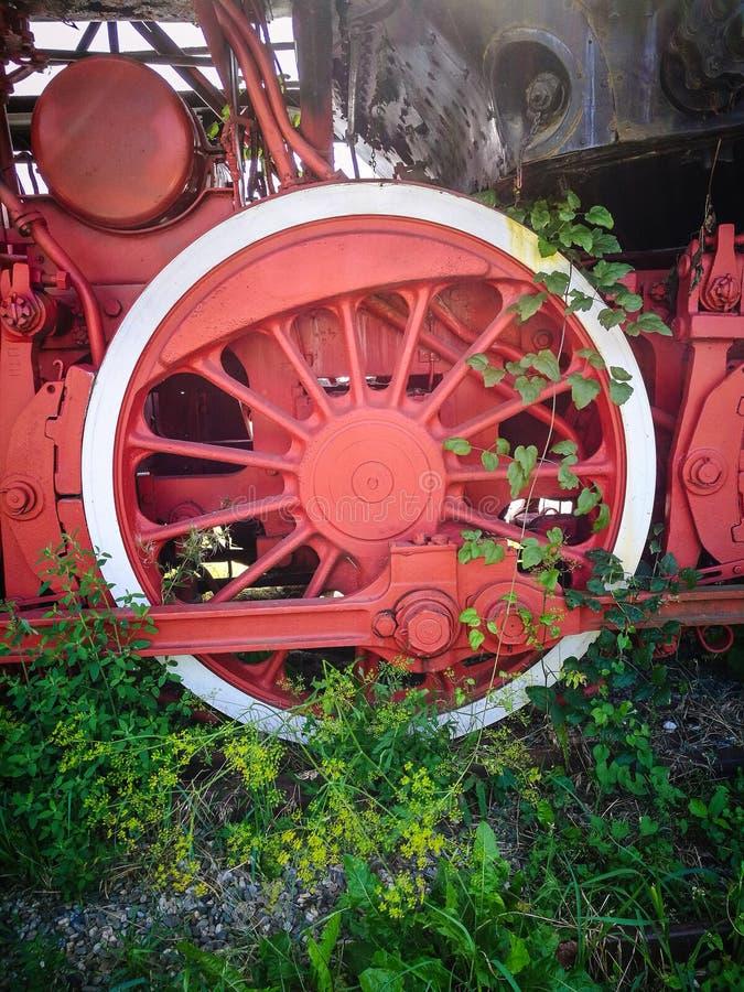 Vieille roue de train image libre de droits