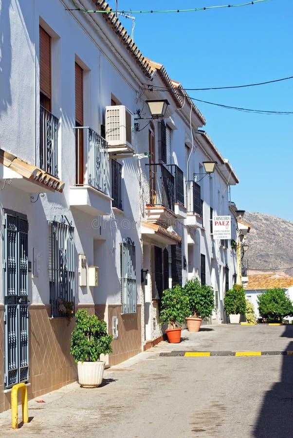 Vieille rue de ville, pueblo de Benalmadena photo stock