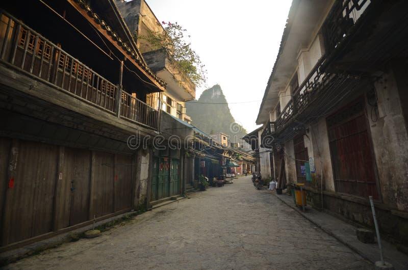 Vieille rue de Xingping images libres de droits