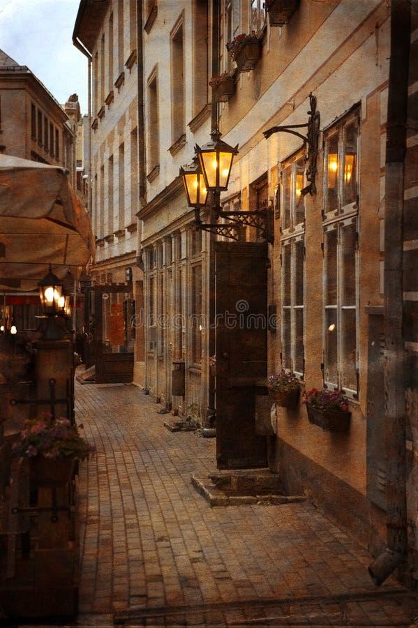 Vieille rue européenne de ville image stock