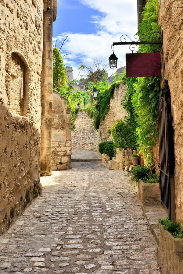 Vieille rue rustique dans Les Baux De Provence, France du sud image stock