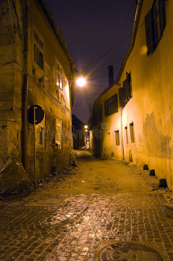 Vieille ruelle de ville photo stock