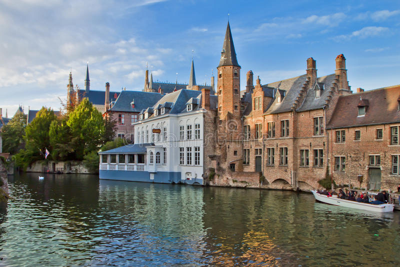 Vieille scène de ville à Bruges, Belgique photographie stock