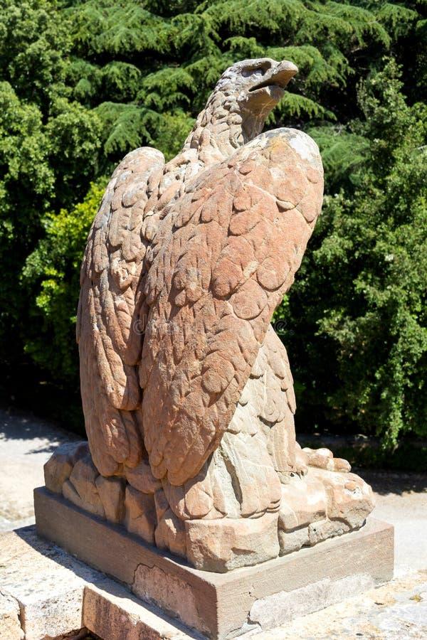 Vieille sculpture en aigle images stock