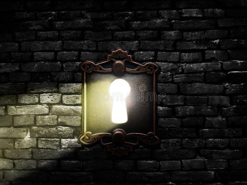 Vieille serrure avec la lumière photos stock