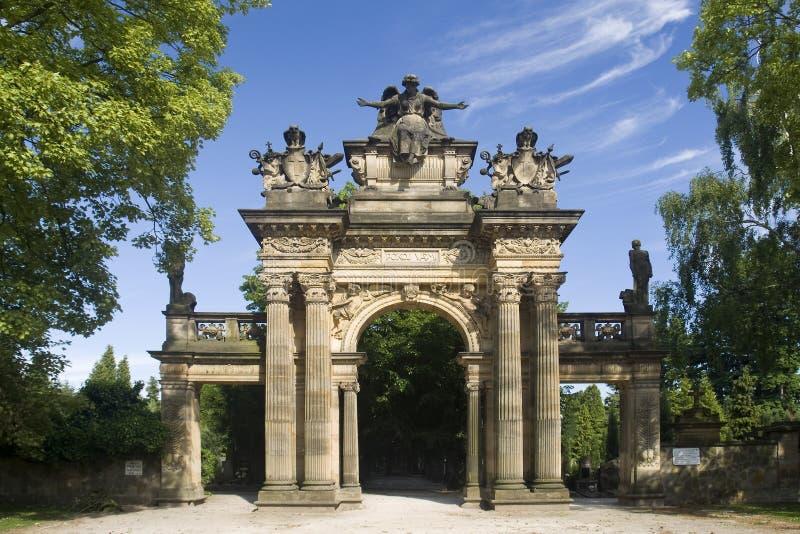Vieille statue portique sur la côte de Gothard dans la ville Horice images libres de droits
