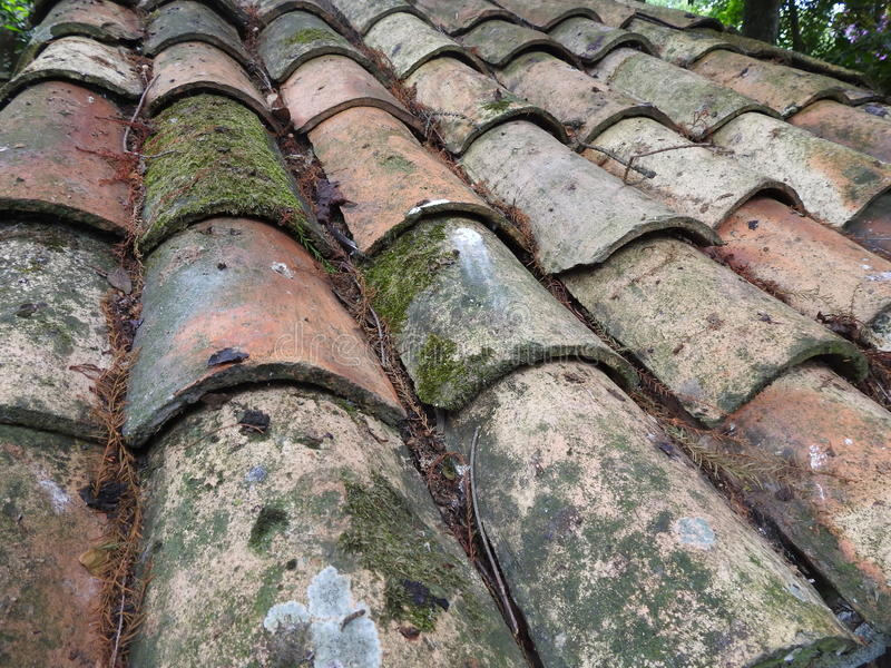 Vieille texture de toit de tuile photographie stock